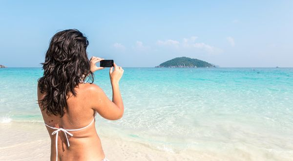Take holiday snaps like a pro on your smartphone