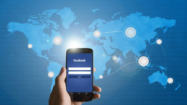 Top 100 checked-in Facebook destinations