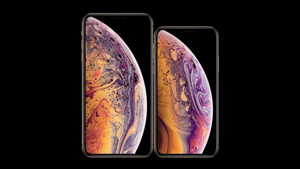 iPhone XS vs iPhone XS Max (Head-to-Head)